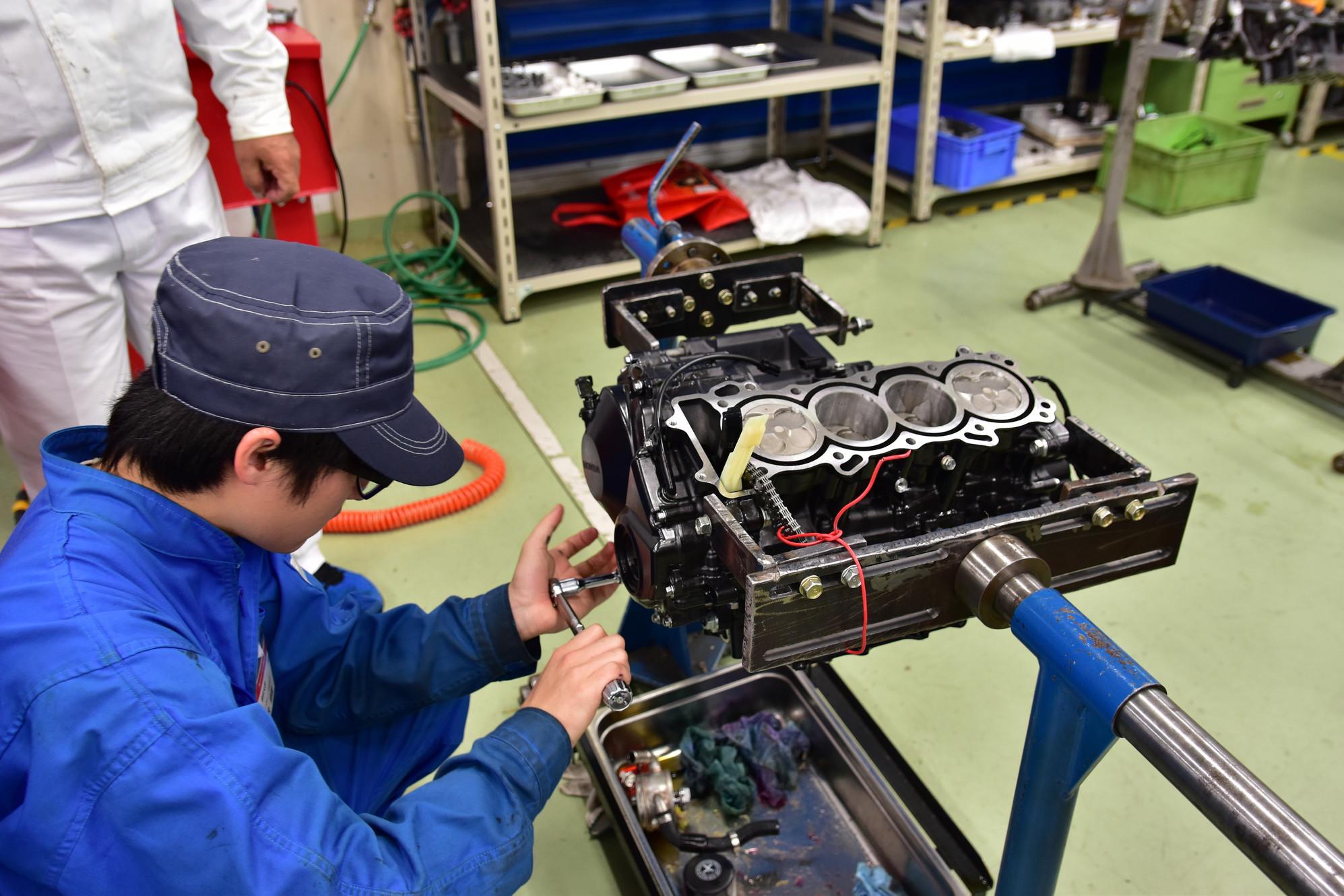 本田技研工業株式会社様主催のエンジン整備講座に参加させていただきました。