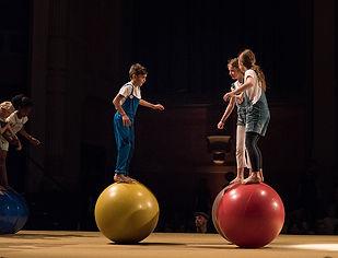 CircusJungle-12-Acro-circus_PatrickLemin