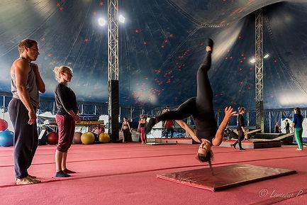 CircusJungle-18plus-Acro-circus_PatrickLemineur.jpg