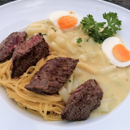 Linguine met asperges en steak