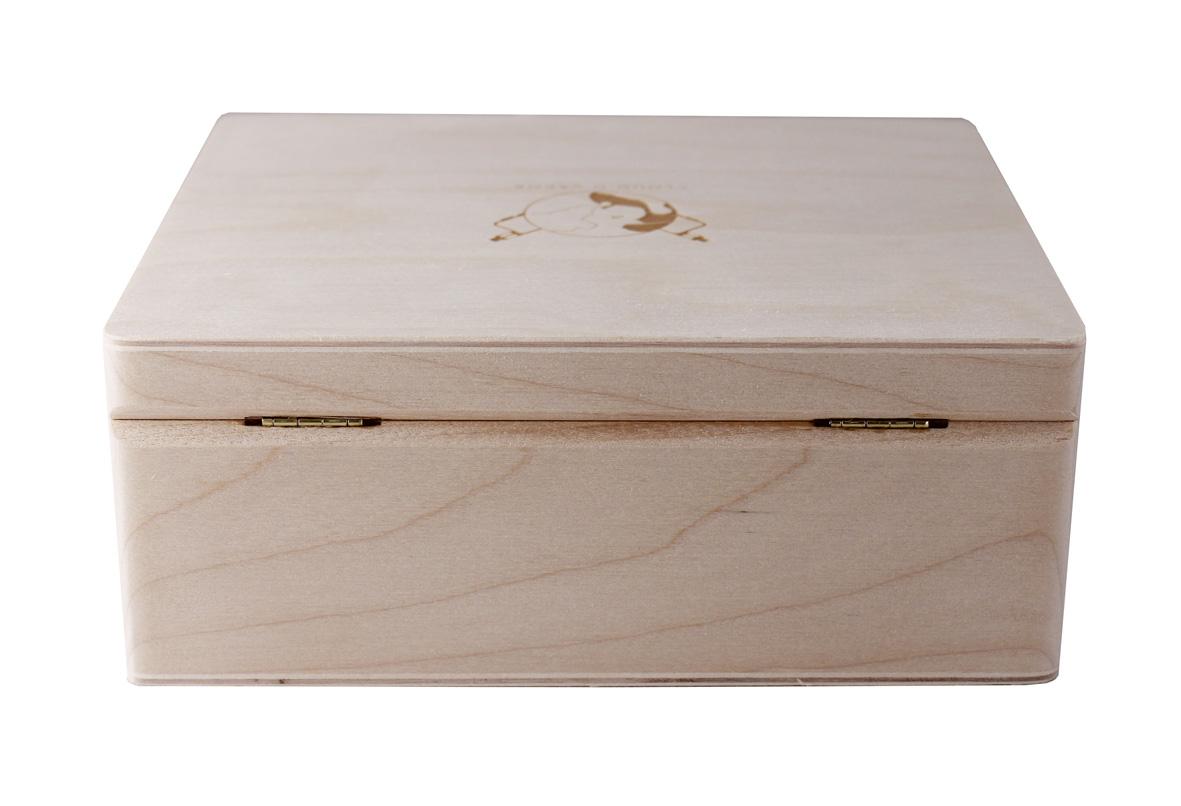 Подарочная деревянная шкатулка