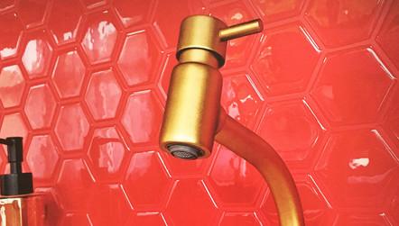 pastilha adesiva resinada - hexagonal vermelho vivo