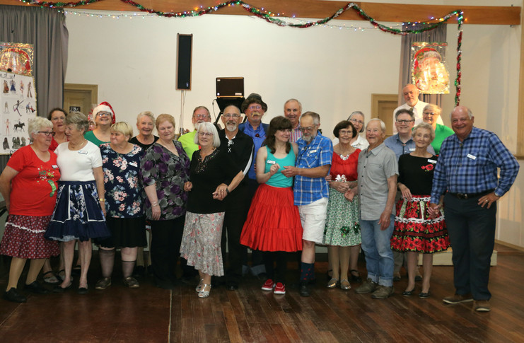 2018_12_04_23_YP_Xmas_Dinner~Group with