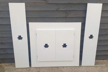 Frog cupboard doors