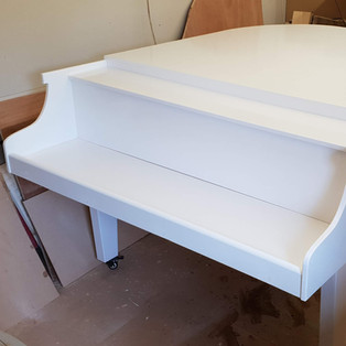 Stage grand piano shell