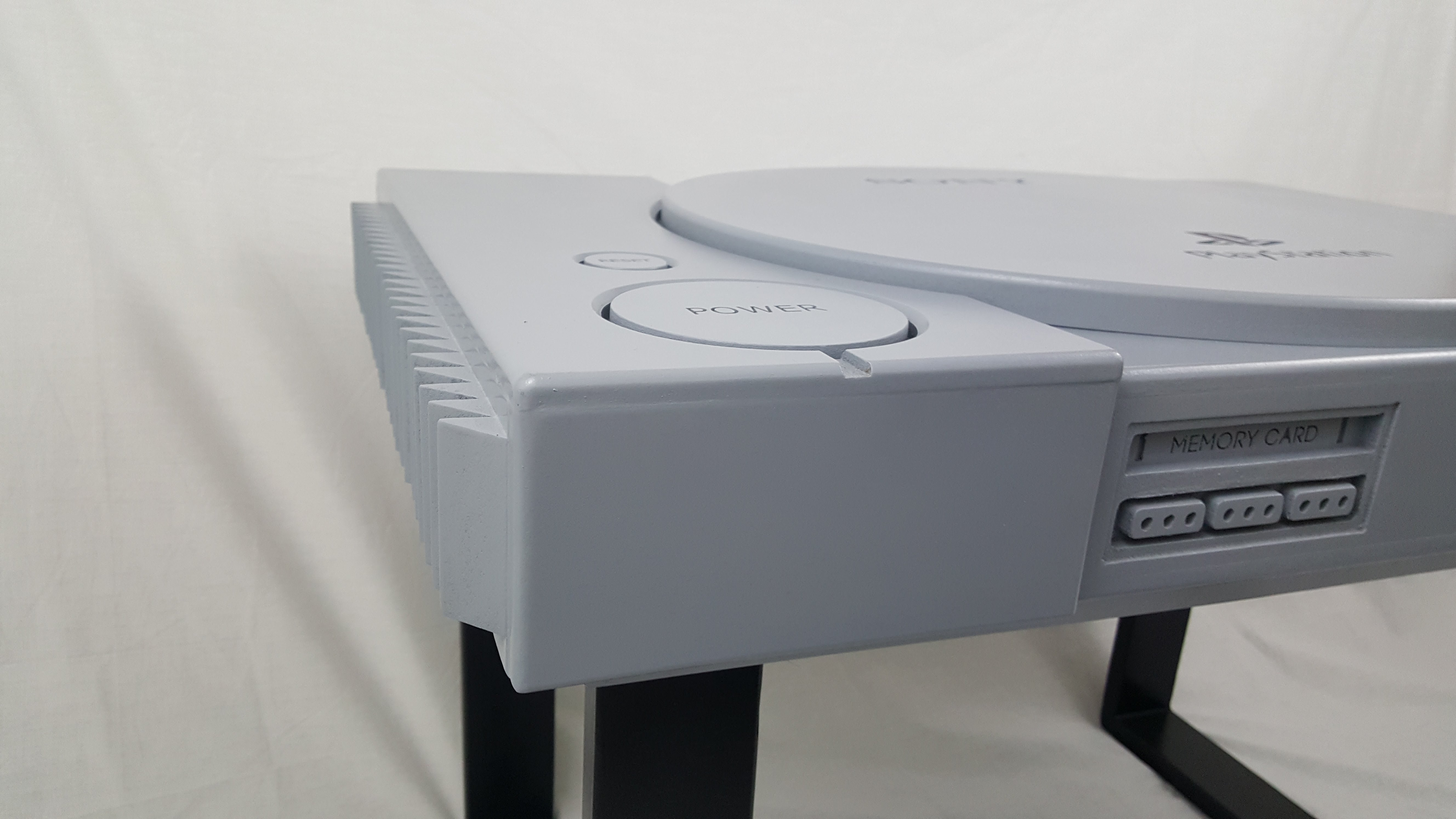 Playstation 1 retro table 6