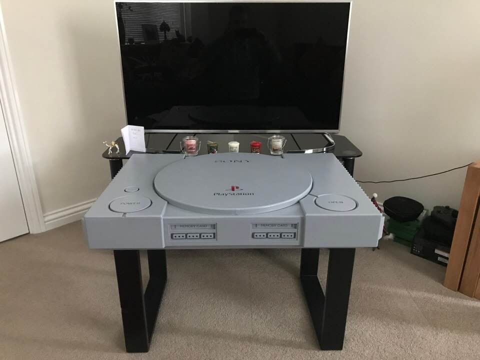 Playstation 1 retro table 10