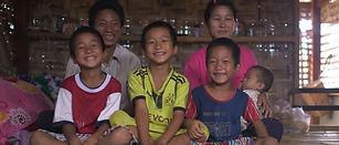 GRANDIR-Birmanie-famille©JillCoulon.jpg