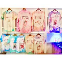 歓歓 T-shirts
