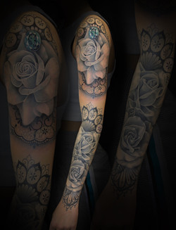 Rose and Lace Sleeve
