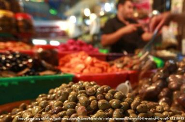 Olive shopping in Abu Dhabi