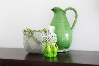 Green candle interior design idea