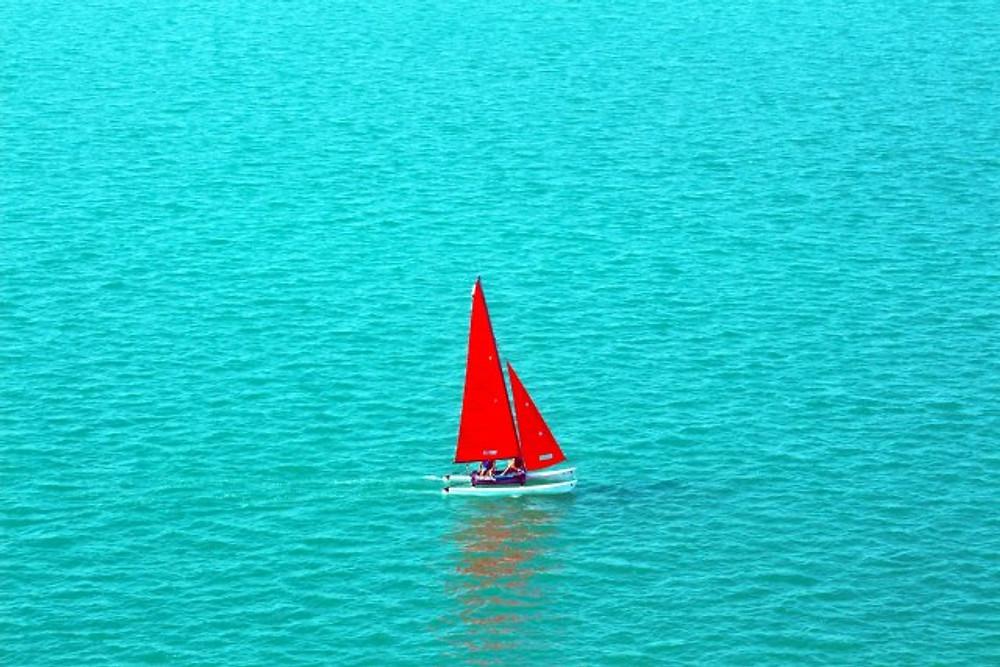 red sailboat, abu dhabi, Yas Island, Yas Beach