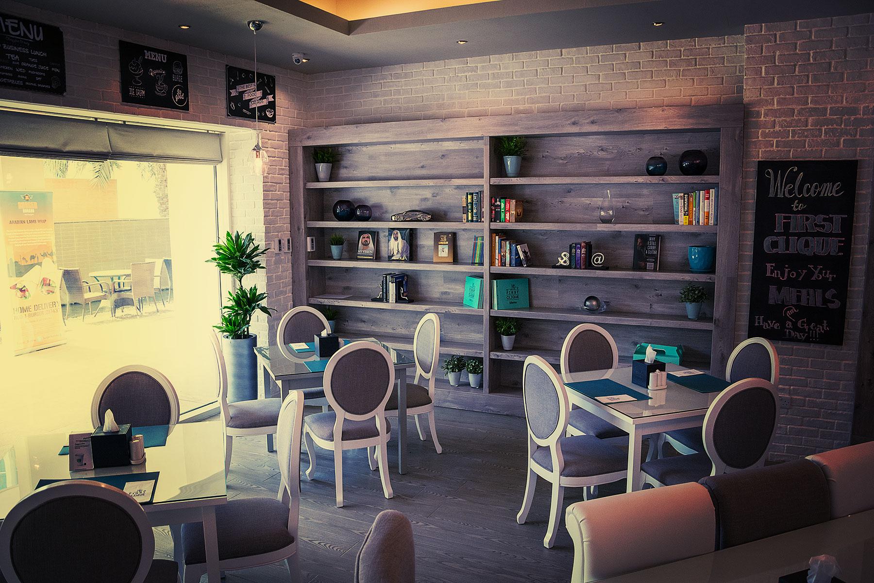 First Clique Cafe' & Restaurant