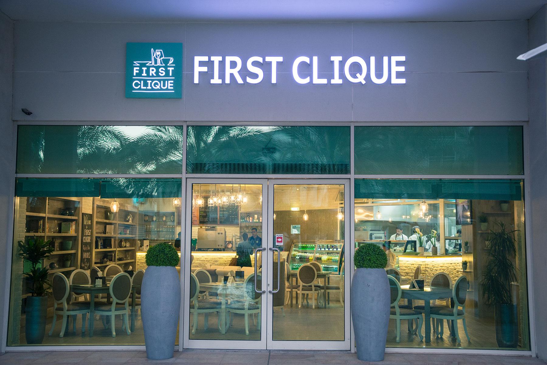 First Clique Restaurant & Cafe'