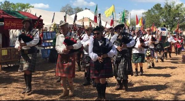 Ren Fest parade