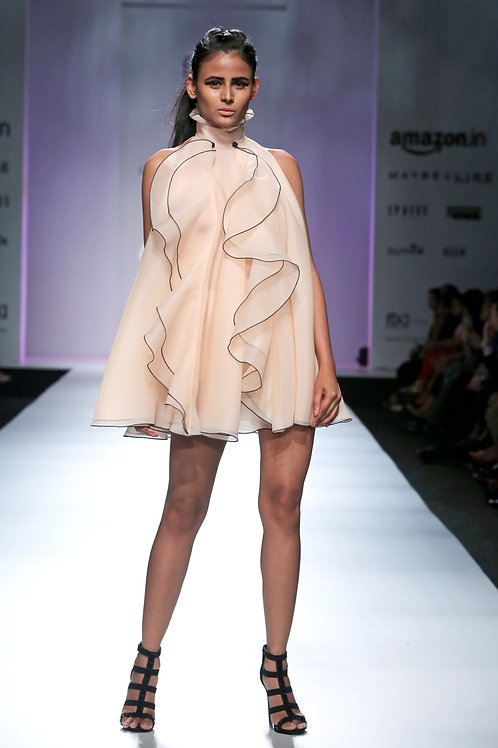 Trapeze dress with high collar and big ruffles