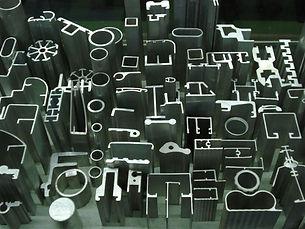 corte de peças em aluminio