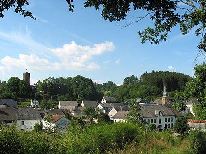 420px-Burg-Reuland_050710_(1).jpg