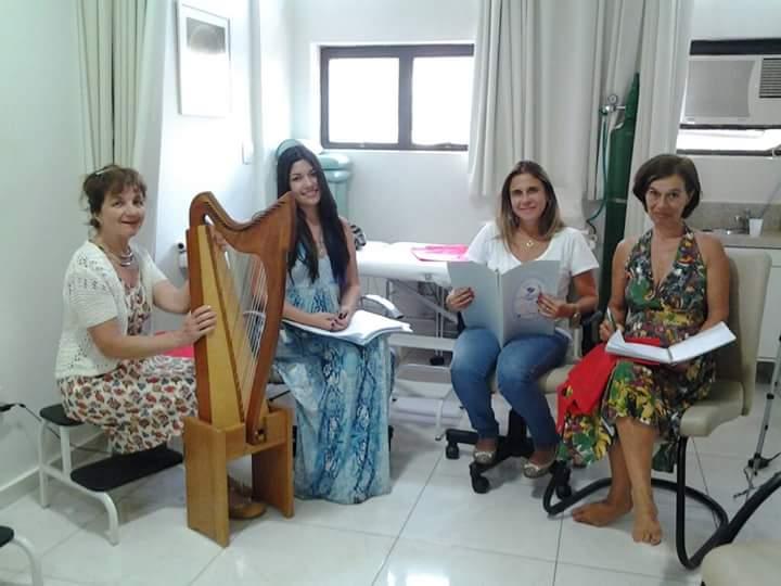 Contos com a Harpa com Maria Emília