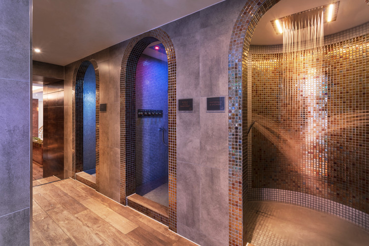 St Michaels Spa - Experience showers