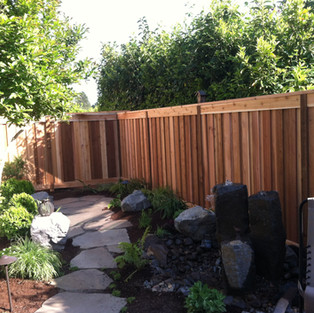 Cedar fence picture frame overlap