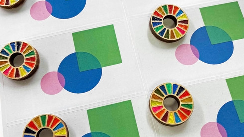 SDGs ピンバッジ台紙デザイン