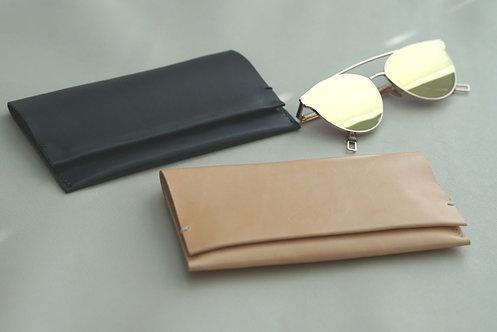 Natural Veg-Tanned Glasses Case