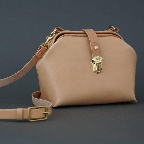 Emmy Natural Dulles Bag