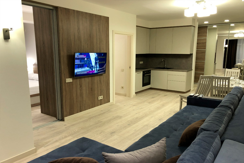 Queen. 2 Bed Room Apartment с балконом
