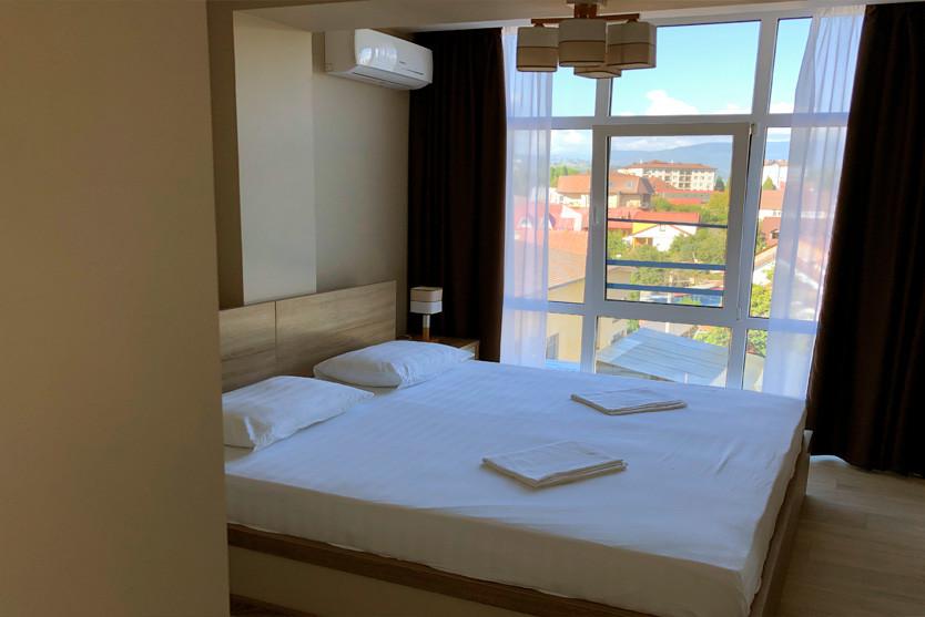 236w_Superior-One-Bedroom-Apartment-с-ба