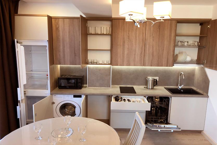 146w_Superior-One-Bedroom-Apartment-с-ба