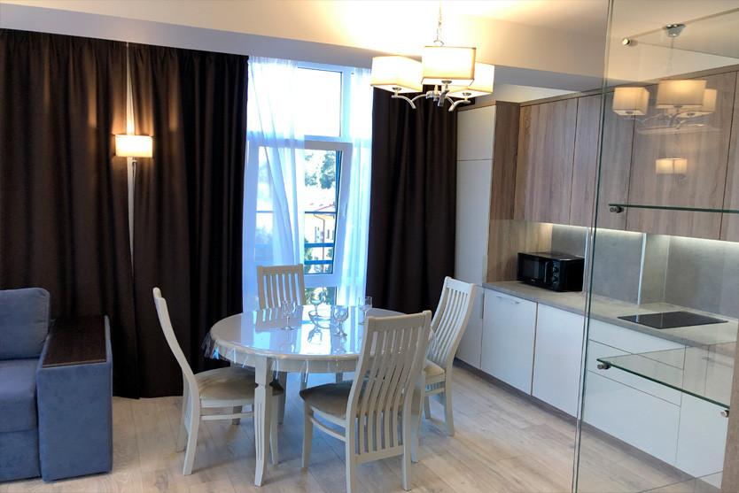 216w_Superior-One-Bedroom-Apartment-с-ба