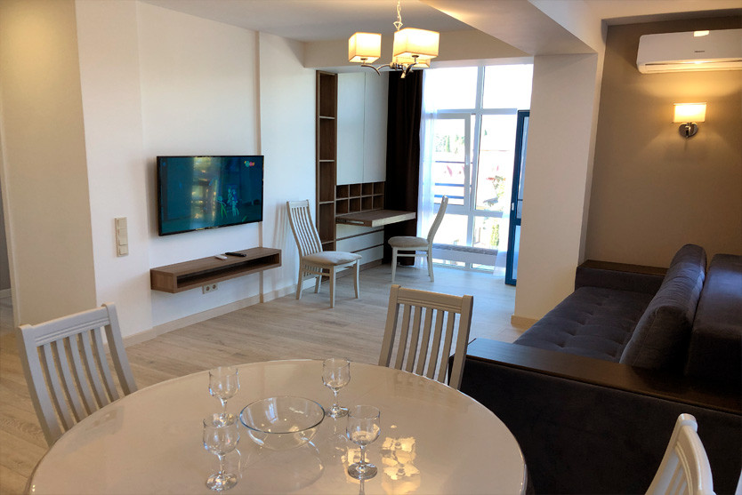 156w_Superior-One-Bedroom-Apartment-с-ба