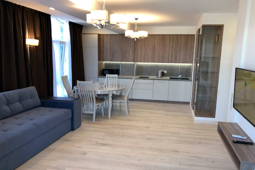 186w_Superior-One-Bedroom-Apartment-с-ба