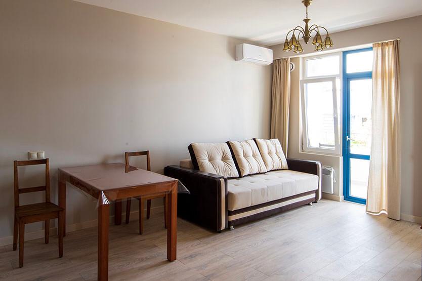 One Bed Room Apartment с балконом