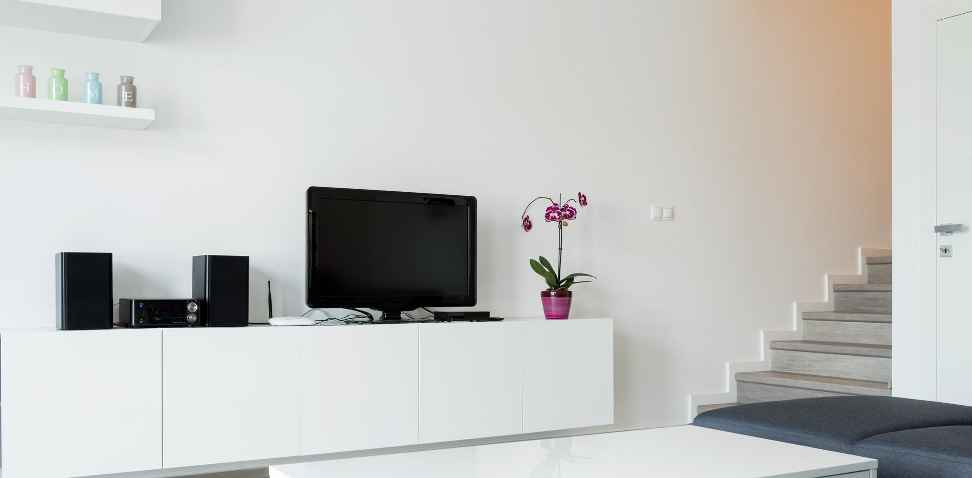 Gloss White 2.jpeg