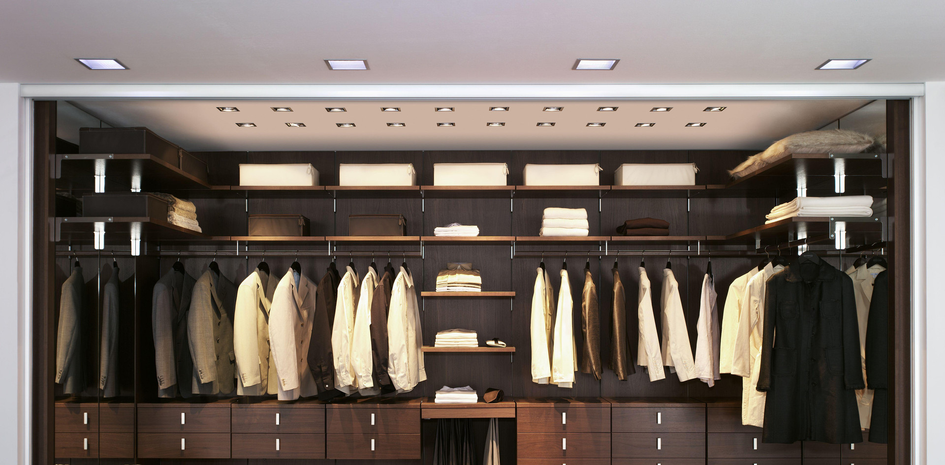 Motte walk in Wardrobe in Thermostructur