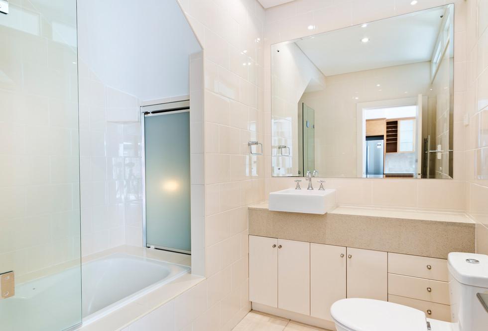 Motte bathroom 3.jpeg