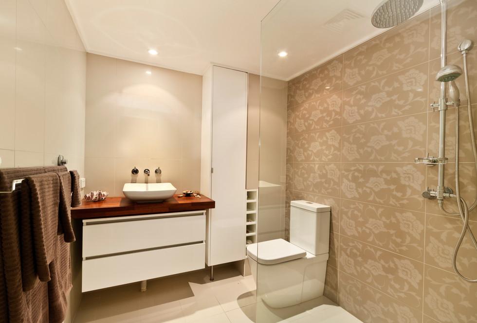 Motte bathroom 4.jpeg