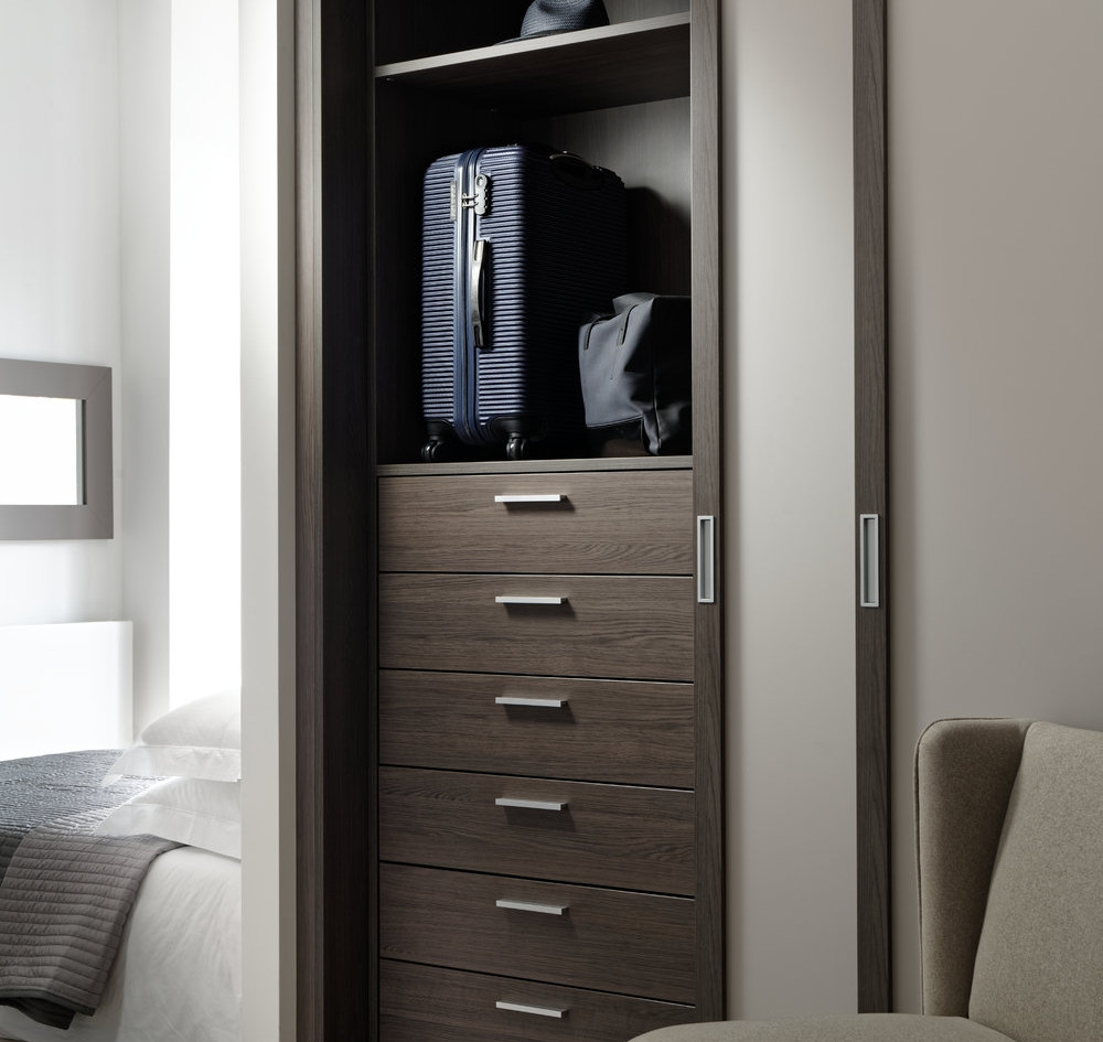 Motte fitted slding wardrobe.jpg