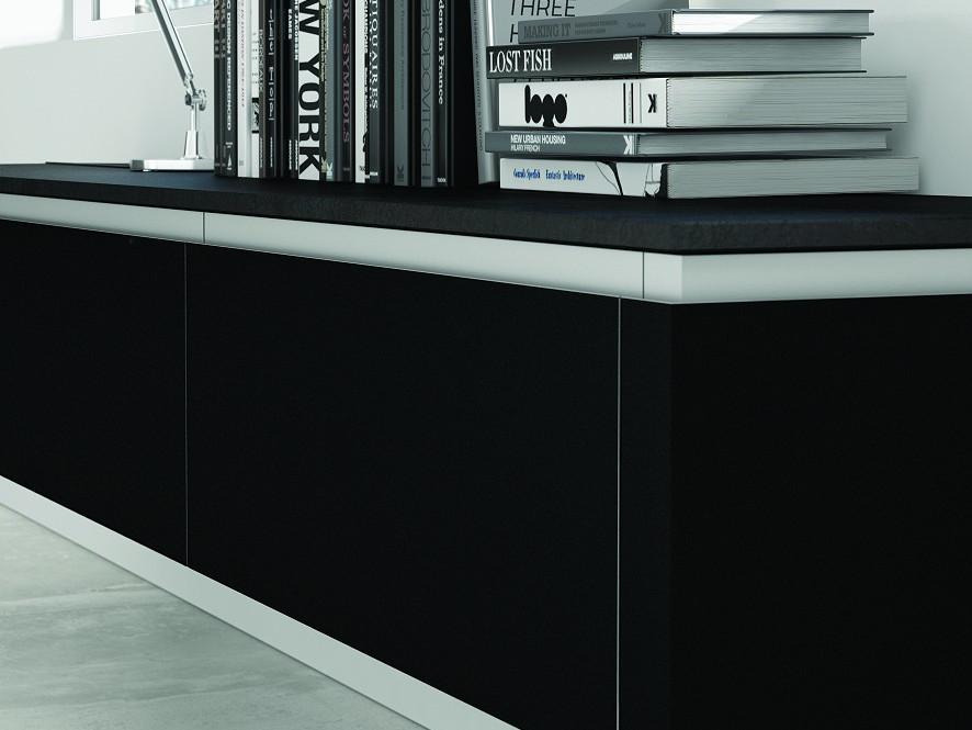 Black Lacquer with profile