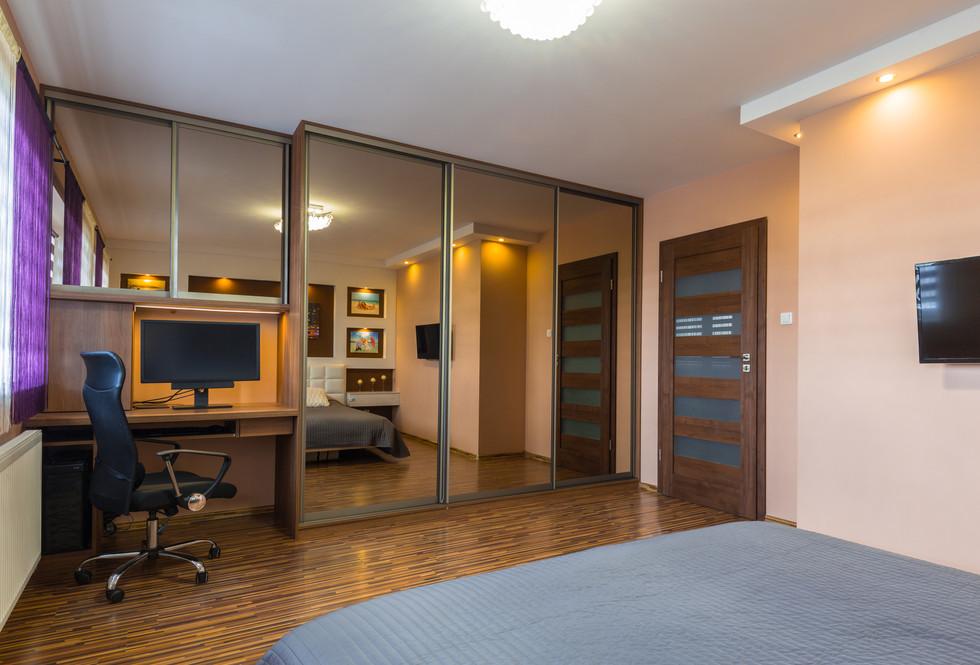 motte bedroom 34.jpeg