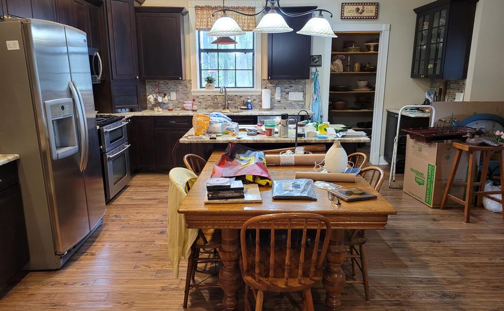 Ocala kitchen in prep for movingen.jpg