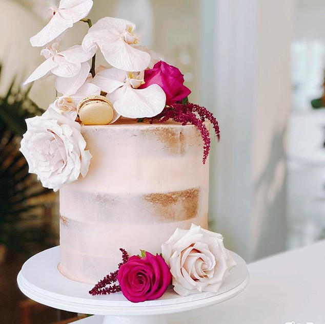 This gorgeous 1 tier cake for a special