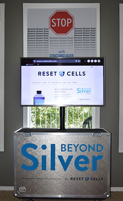 The X1Mobil is a mobile TV unit for any and all display needs. Made with the best available TV Lifts in Canada. The X1Mobil is fully customizable with a multitude of materials, colors, and sizes. This case was custom made for Beyond Silver.