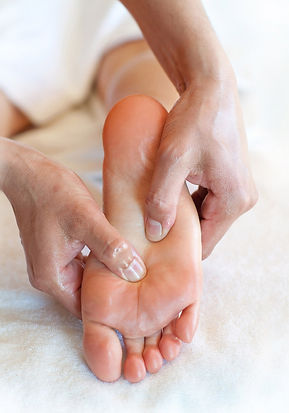 foot massage, reflexology, reflex points, plantar fasciitis, bunions