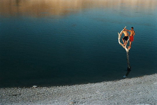 Traces. Série Le Jourdain. Wadi Al Arab. Jordanie 2005 © Farida Hamak Exposition Artiste galerie d'art contemporain Lyon Croix-Rousse Regard Sud