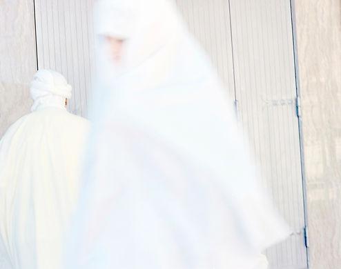 Sur les traces, Place du marché, Bou Saada, Algérie 2015. 38cm x 45cm ©Farida Hamak Exposition Artiste galerie d'art contemporain Lyon Croix-Rousse Regard Sud