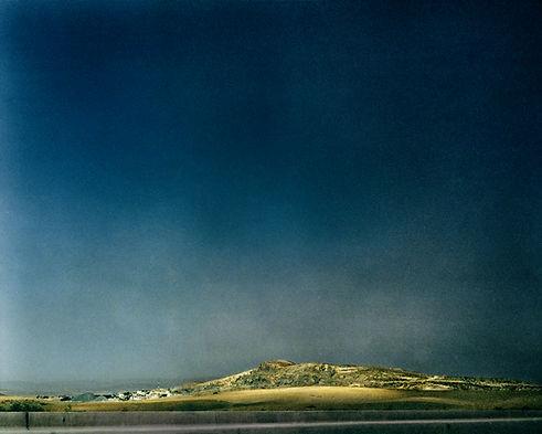 Sur les traces, Dans la steppe, Bou Saada, Algérie 2012. 38cm45cm ©Farida Hamak Exposition Artiste galerie d'art contemporain Lyon Croix-Rousse Regard Sud